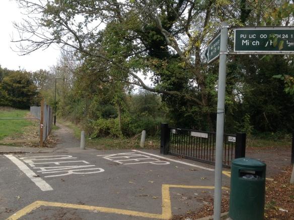 Ridds fencing public footpath
